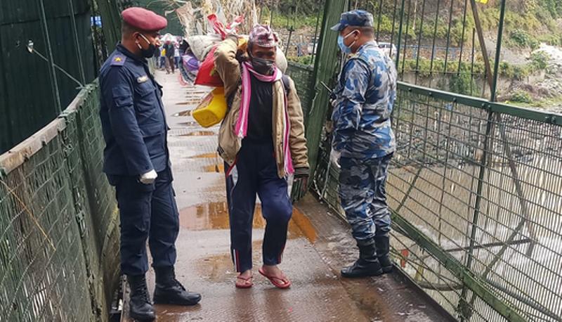 सीमापारी रहेका नेपालीले पाए प्रवेश अनुमति, दुई हजार बढीको उद्धार