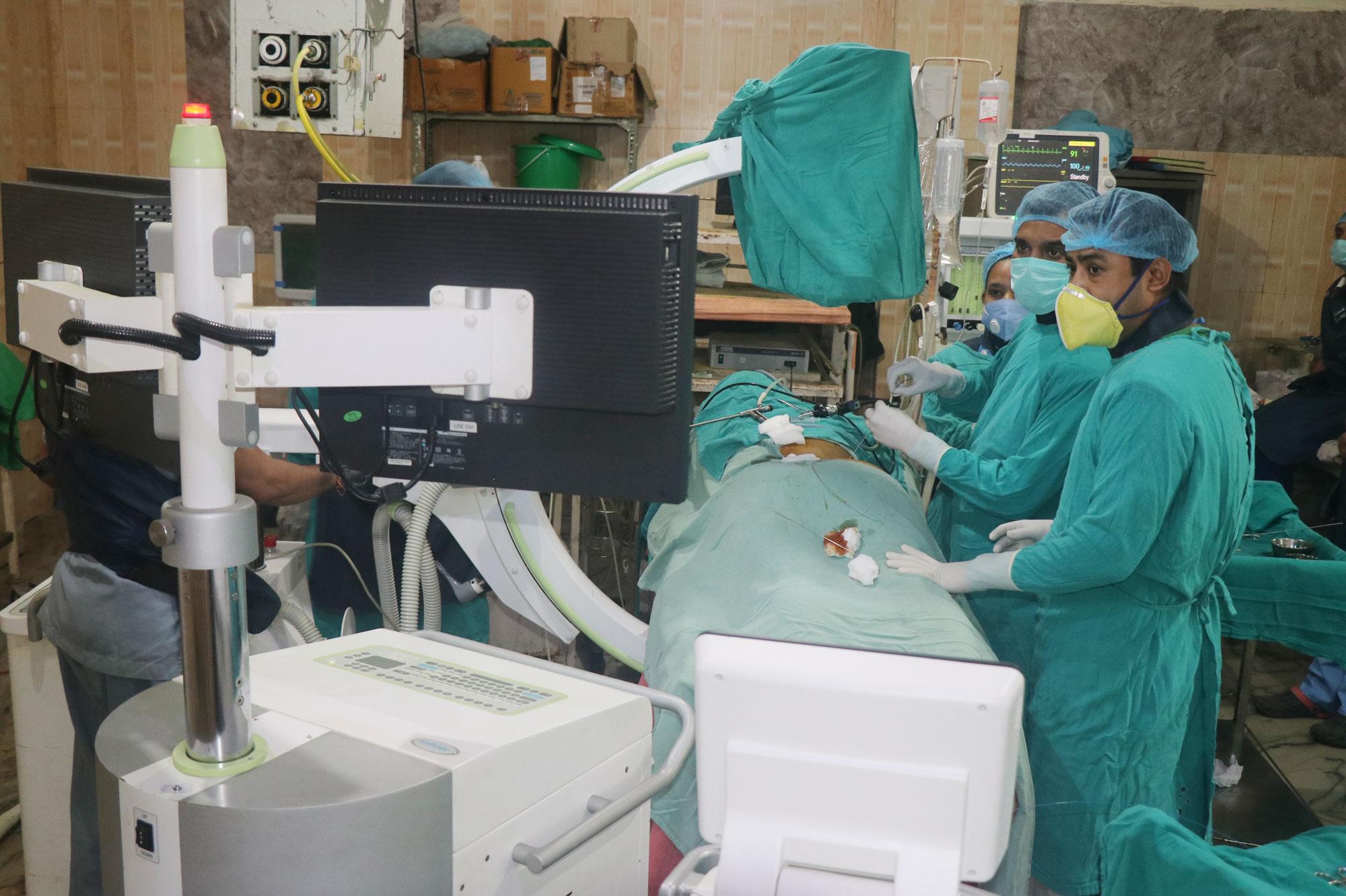 नोबेल अस्पतालमा लेजर प्रबिधिबाट पथरीयाको शल्यक्रिया सुरु (भिडियाे सहित)