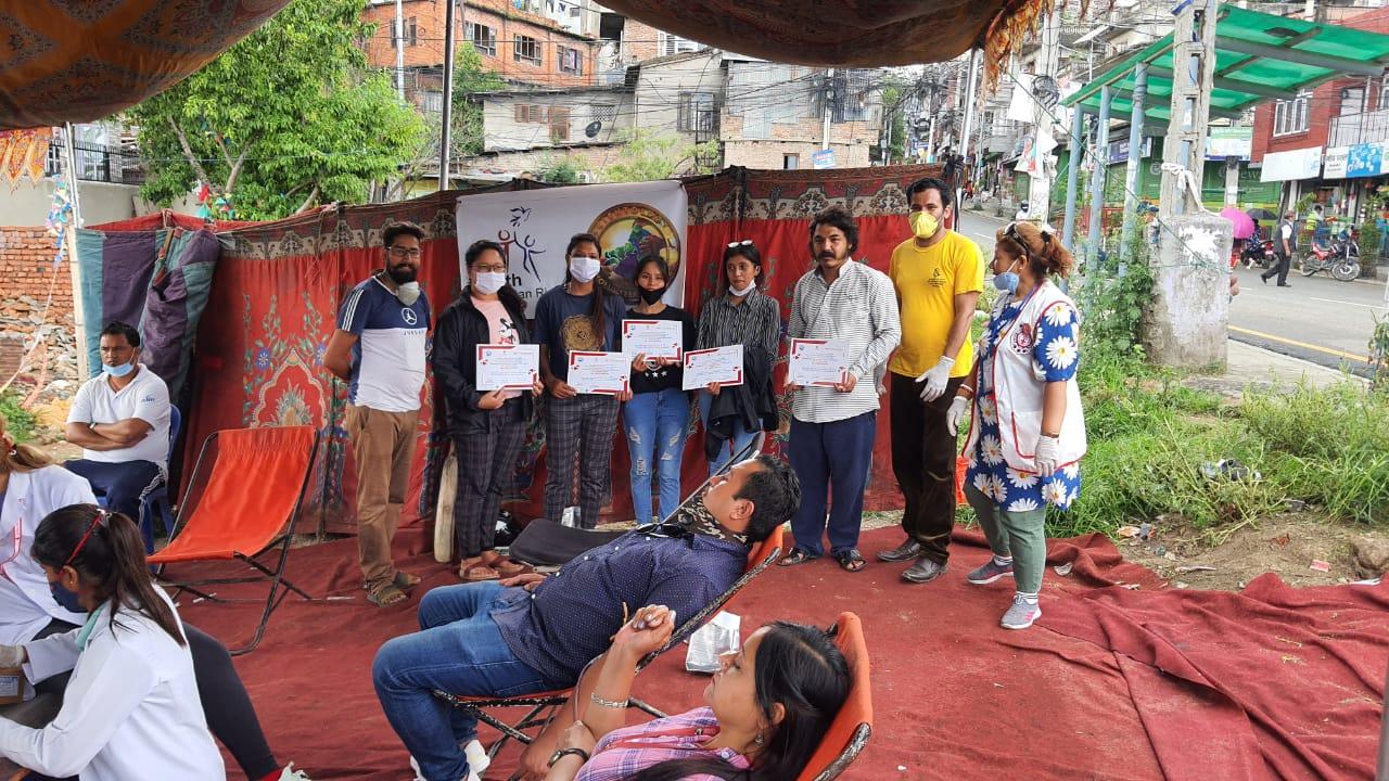'रक्तदान जीवनदान'- बृहत् कार्यक्रममा ५३ जनाले गरे रक्तदान