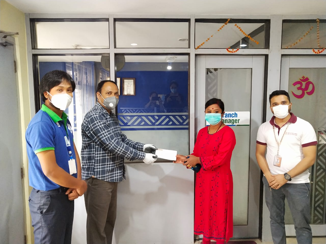 बैंक अफ काठमाण्डूको निक्षेपग्राहकलाई बीमा दाबी रकम भुक्तानी