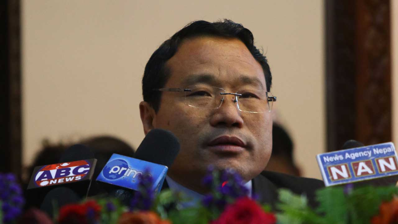 'राष्ट्रपति र प्रधानमन्त्रीको सेटिङ्गमा प्रतिनिधि सभा विघटन भएको कुरा घामजस्तै छर्लङ्ग'