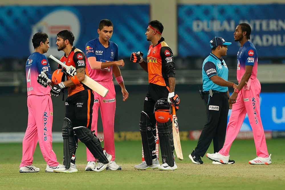 आईपीएल: राजस्थानमाथि हैदराबाद ८ विकेटले विजयी