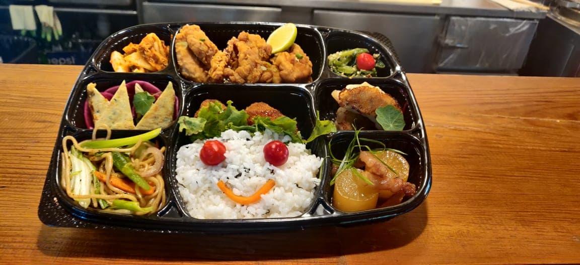 """जापानको प्रसिद्ध खाना """"बेन्तो"""" अब नेपाली बजारमा, कहाँ पाइएला ?"""