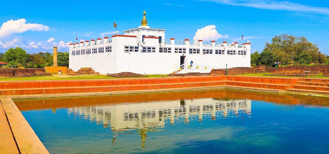 पर्यटक पर्खिरहेको लुम्बिनी !