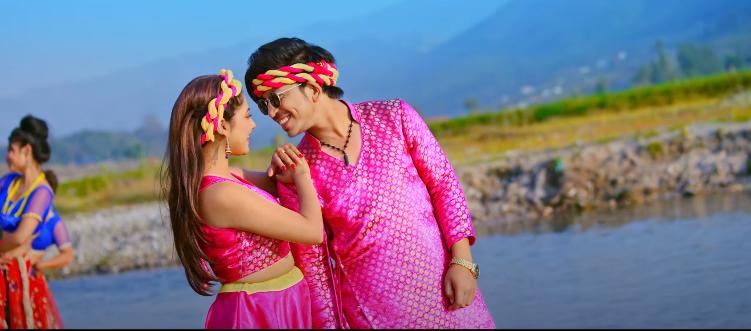 बाबु कृष्णकाे 'कर्कलो' मा प्रकाश र केकिकाे अभिनय (भिडियाेसहित)