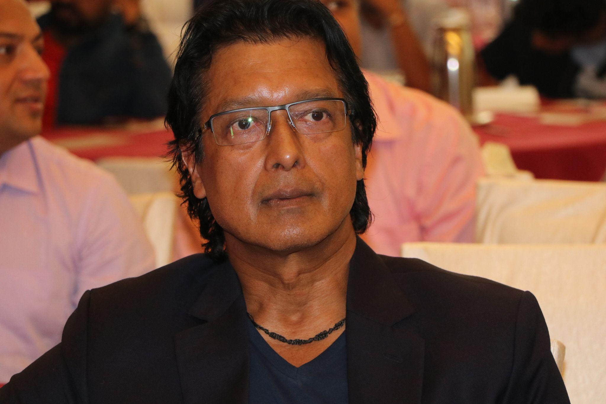 राजेशको तर्क–'अहिल्यै चलचित्र हल खोल्नु हुँदैन'