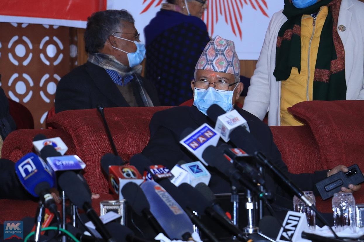 'केपी बा' प्रवृत्तिविरुद्ध जुध्नैपर्छ : माधवकुमार नेपाल