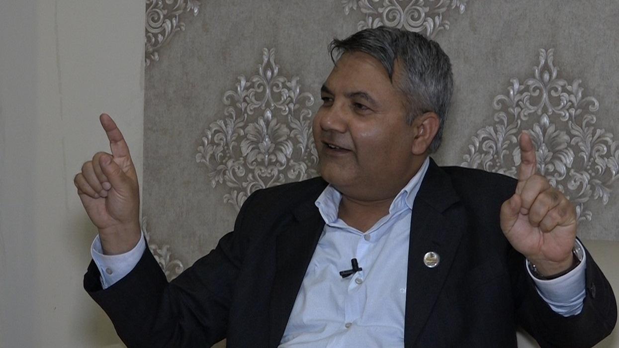 चार पूर्व प्रधानन्यायाधीशलाई बाँस्कोटाको चुनौती–'दाहाल–नेपाल पक्षबाट चुनाव लड्न आउनुस्'