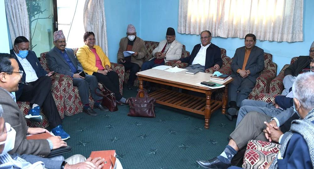 मन्त्री टुङ्ग्याउन माओवादीको स्थायी कमिटी बैठक