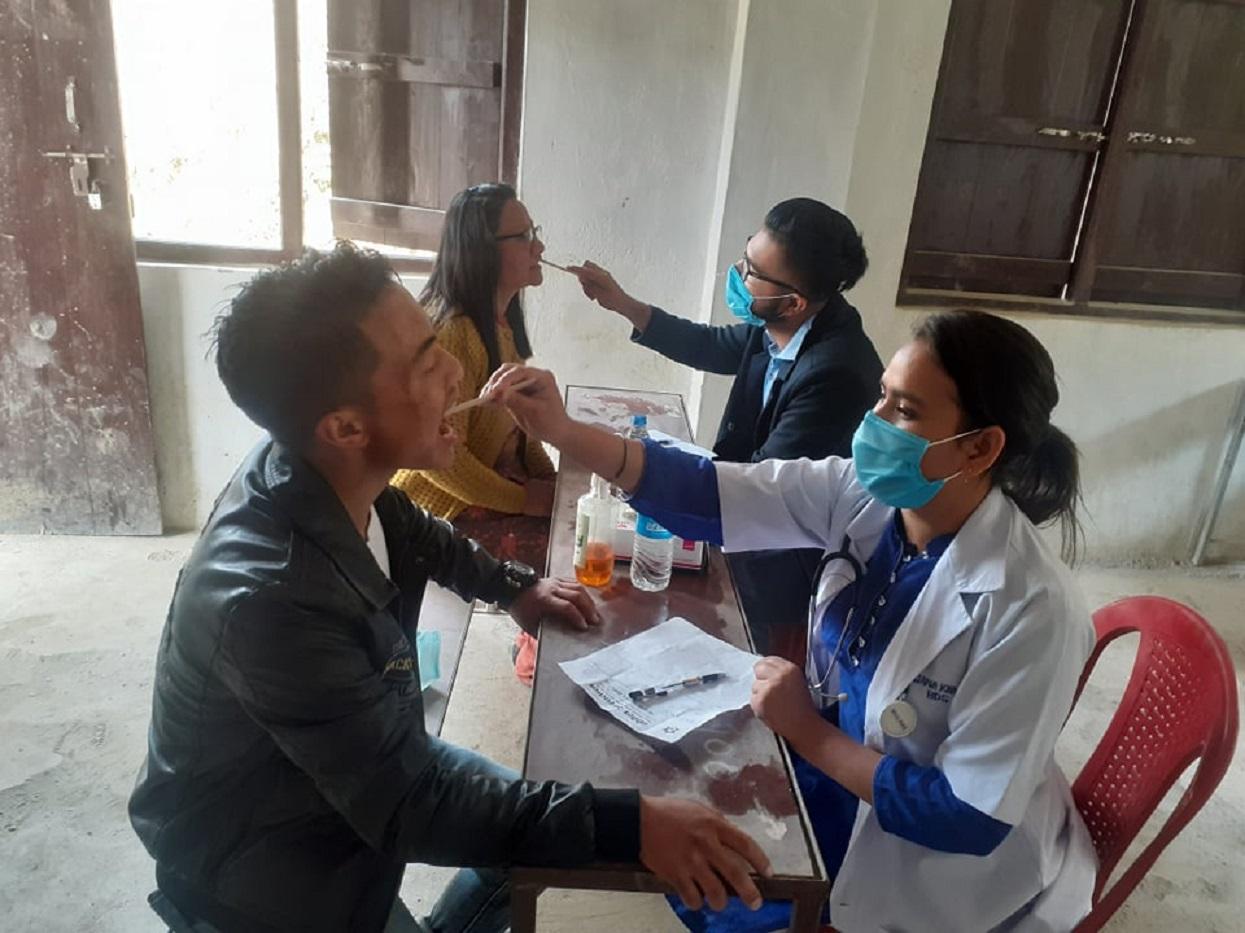 इलाममा नोबेल मेडिकल कलेजको निःशुल्क स्वास्थ्य शिविर
