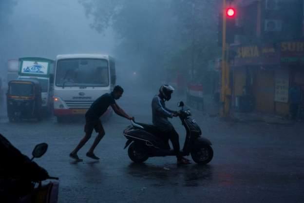 भारतमा शक्तिशाली 'ताउ-ते'को आतंकः नेपाल प्रभाव कस्तो ?