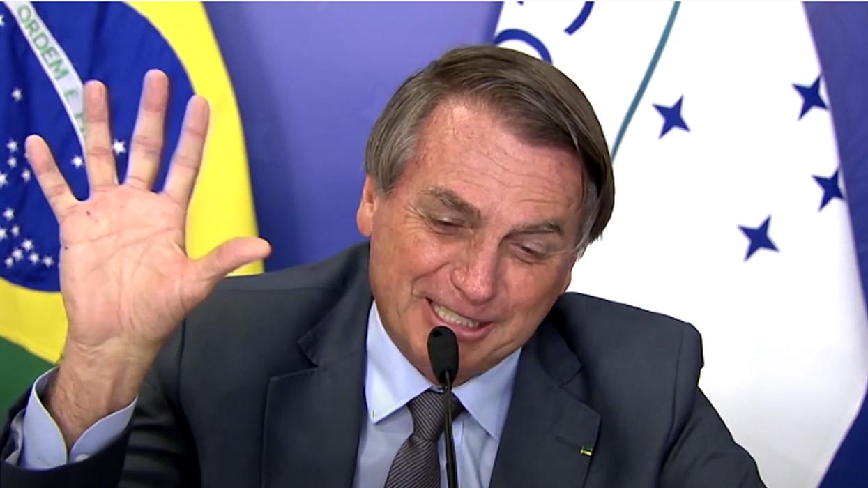 ब्राजिलका राष्ट्रपति बोल्सोनारोले अर्जेन्टिनी समकक्षीलाई पाँच औँला देखाउँदै भने- ५-० ले जित्छौं