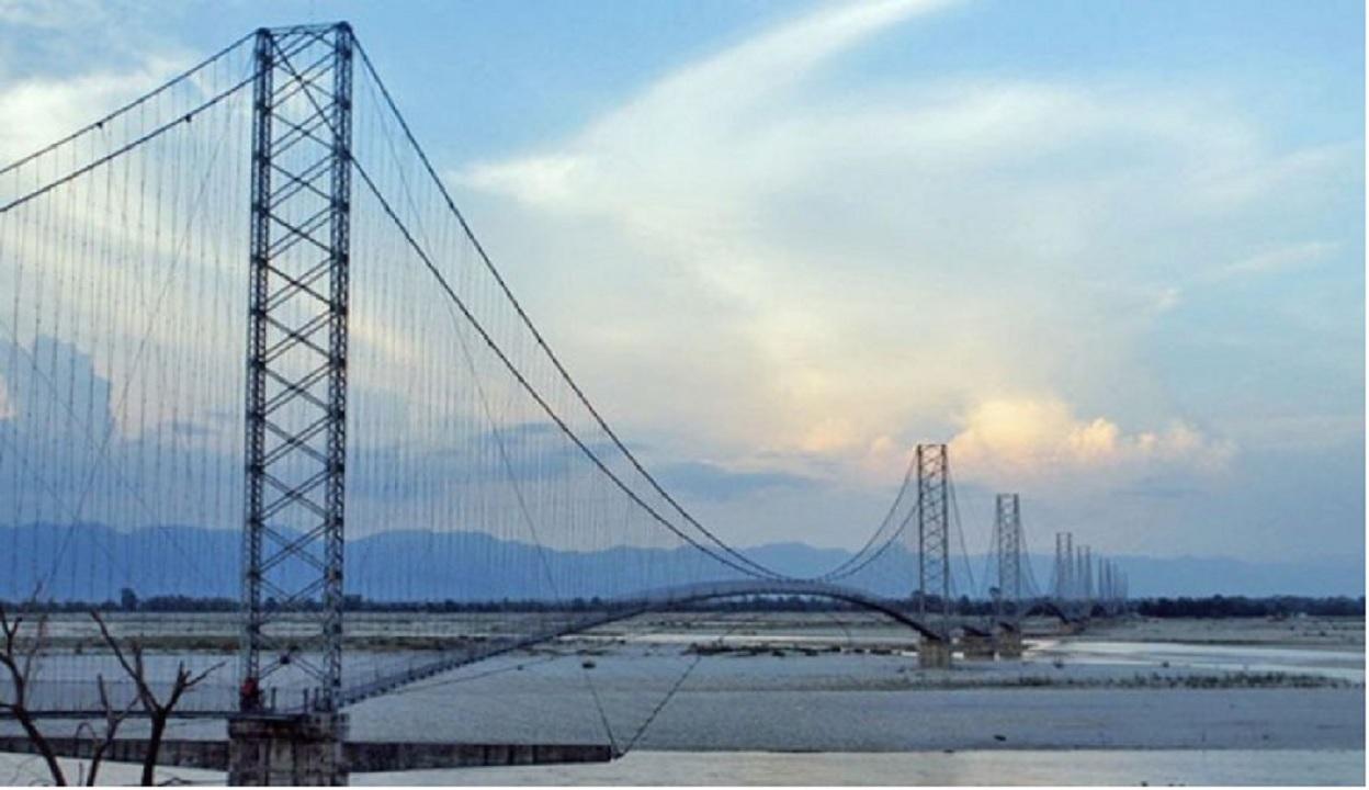 गाडी रोकेर महाकालीको झोलुङ्गे पुल मर्मत