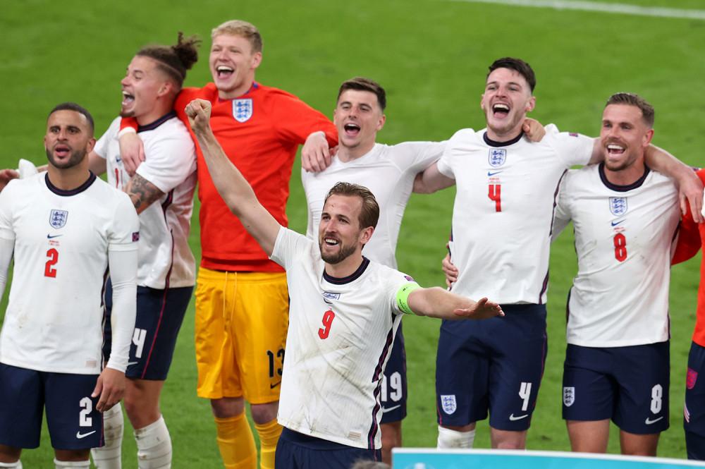 डेनमार्कलाई हराउँदै इंग्ल्यान्ड फाइनलमा