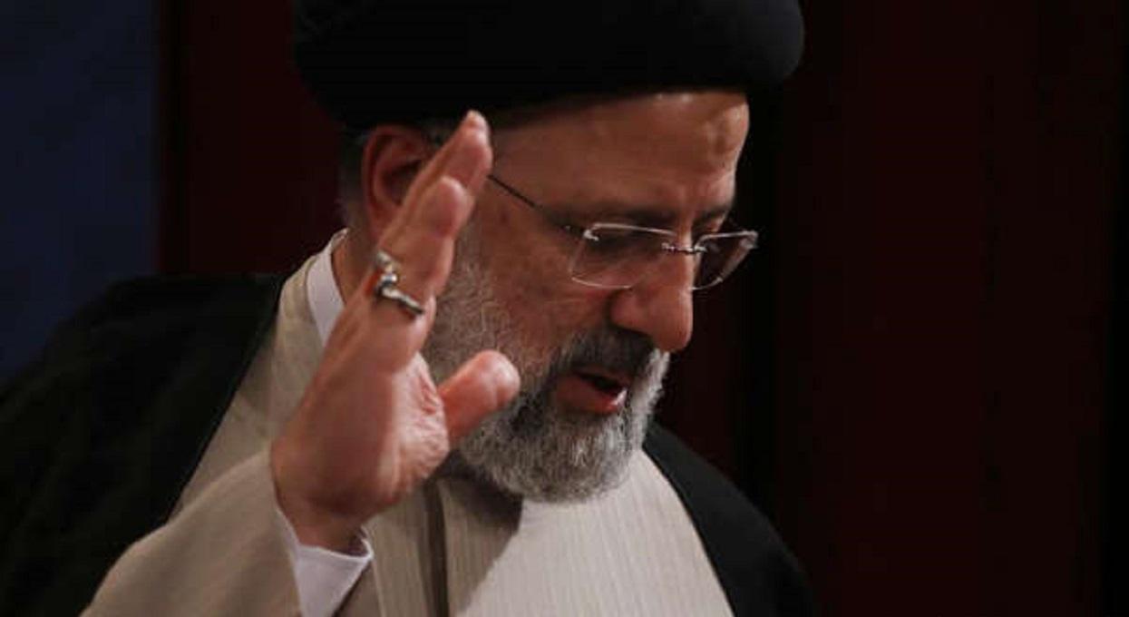 ईरानका नयाँ राष्ट्रपतिद्वारा संसद्मा शपथग्रहण