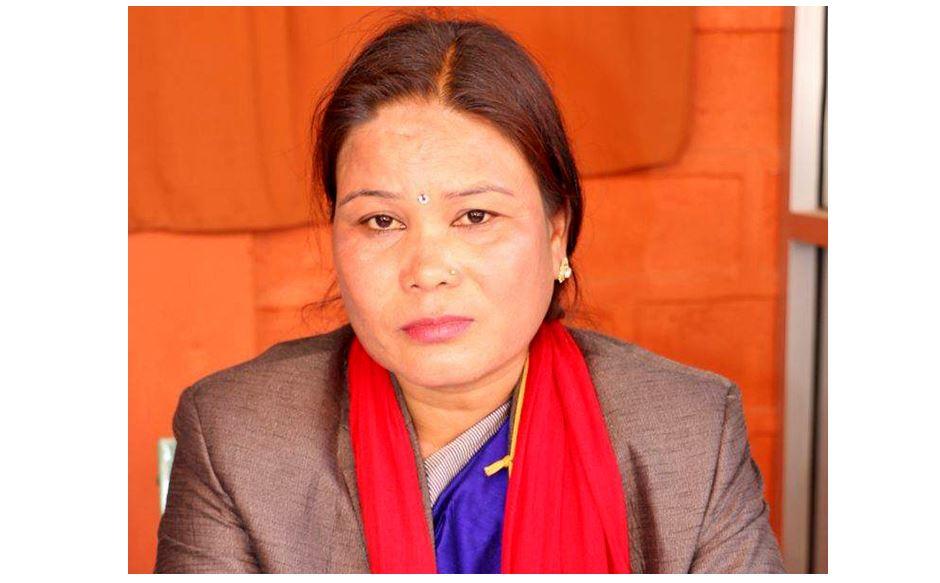 लुम्बिनी प्रदेश सभामा तटस्थ बसेकी थारु भन्छिन्- 'सभामुखले भनेबमोजिम गरें'