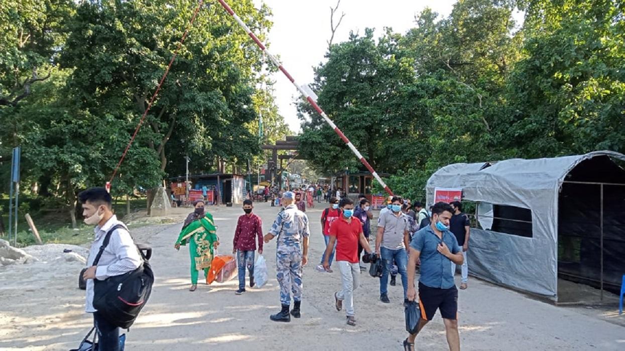 दशैँको मुखमा रोजगारीका लागि मुगलान पस्दै नेपाली