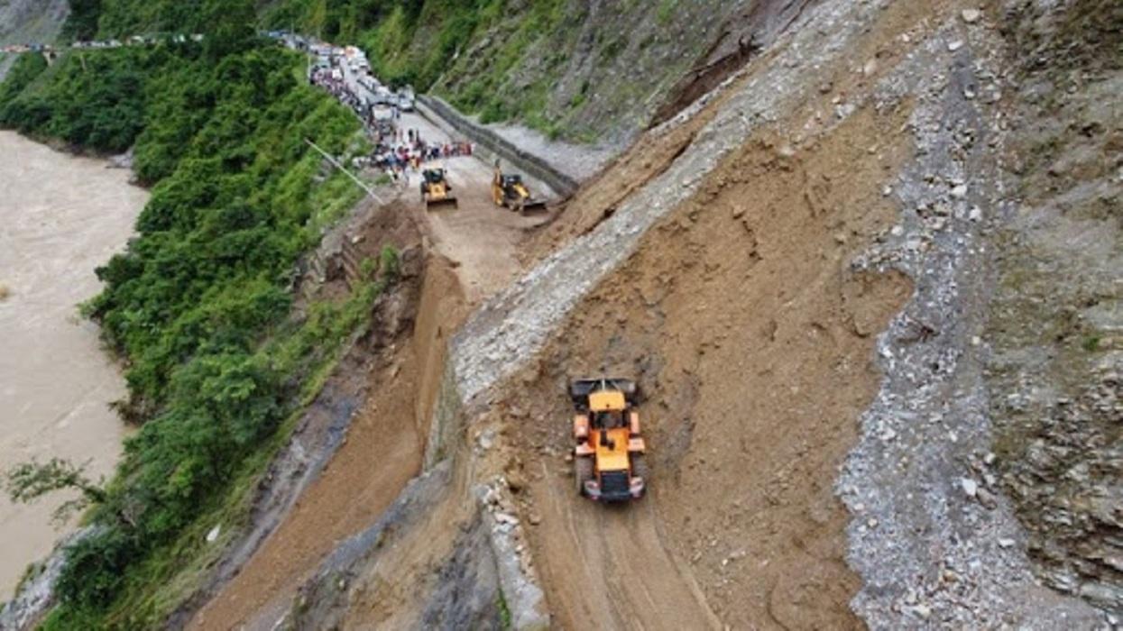 बेमौसमी वर्षाले राष्ट्रिय राजमार्गमा १ अर्ब ५ करोडको क्षति