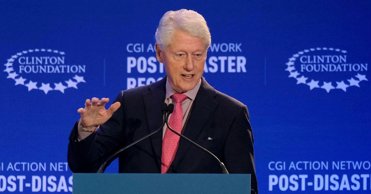 अमेरिकी पूर्वराष्ट्रपति बिल क्लिन्टन अस्पताल भर्ना