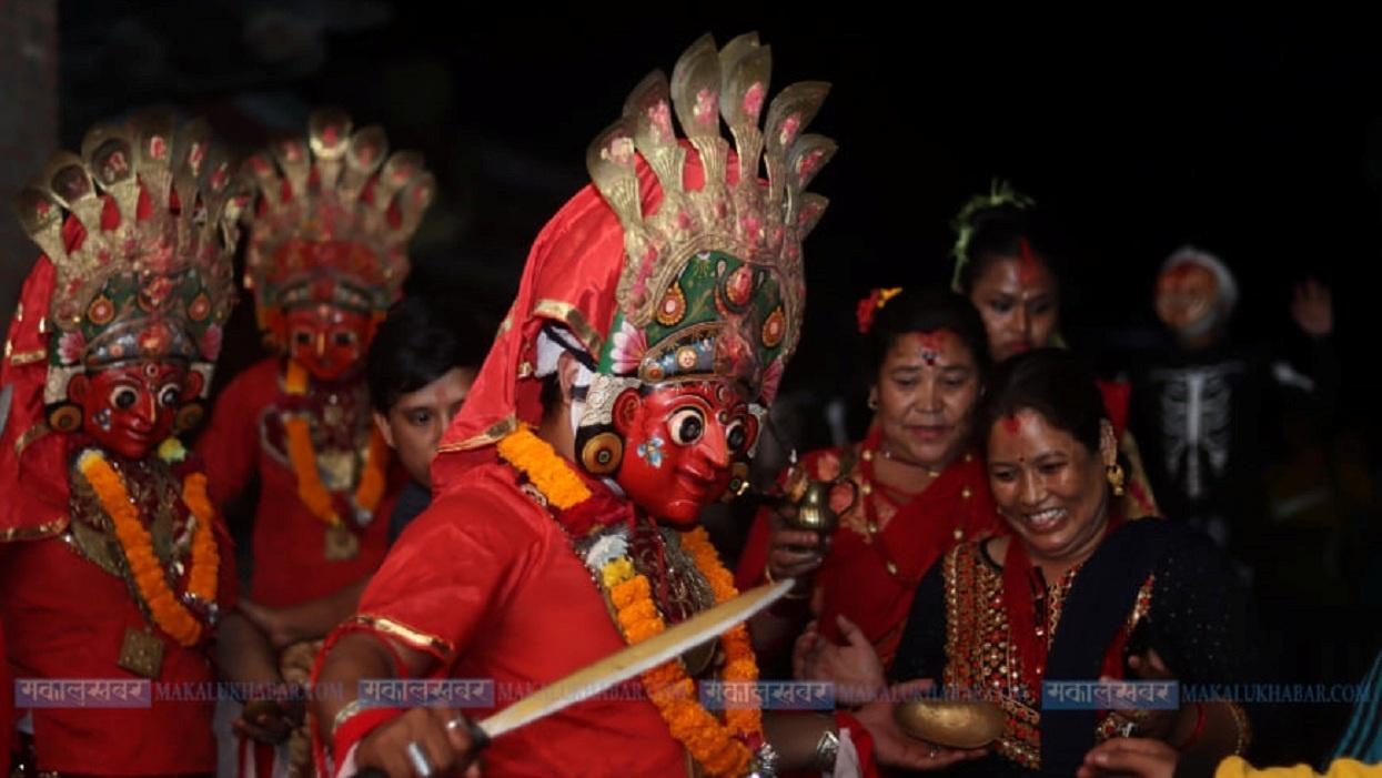 गोकर्णेश्वरमा देखाइयो ३०० वर्ष पुरानो देवी नाच (तस्बिरहरू)