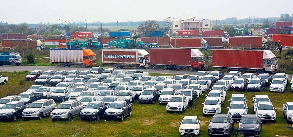 रसुवागढी नाकाबाट १०० विद्युतीय कार आयात